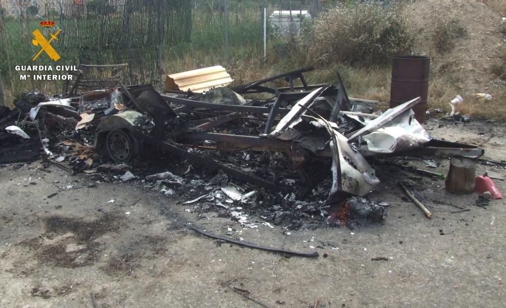 guardia_civil_incendio_caravana_casalarreina