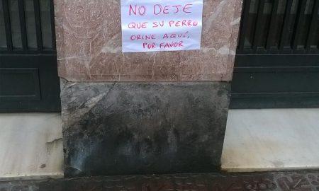 cartel-orina-perro-calle