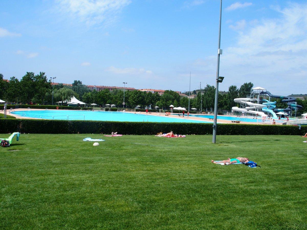 Las piscinas municipales de logro o registran for Piscinas municipales zaragoza 2017