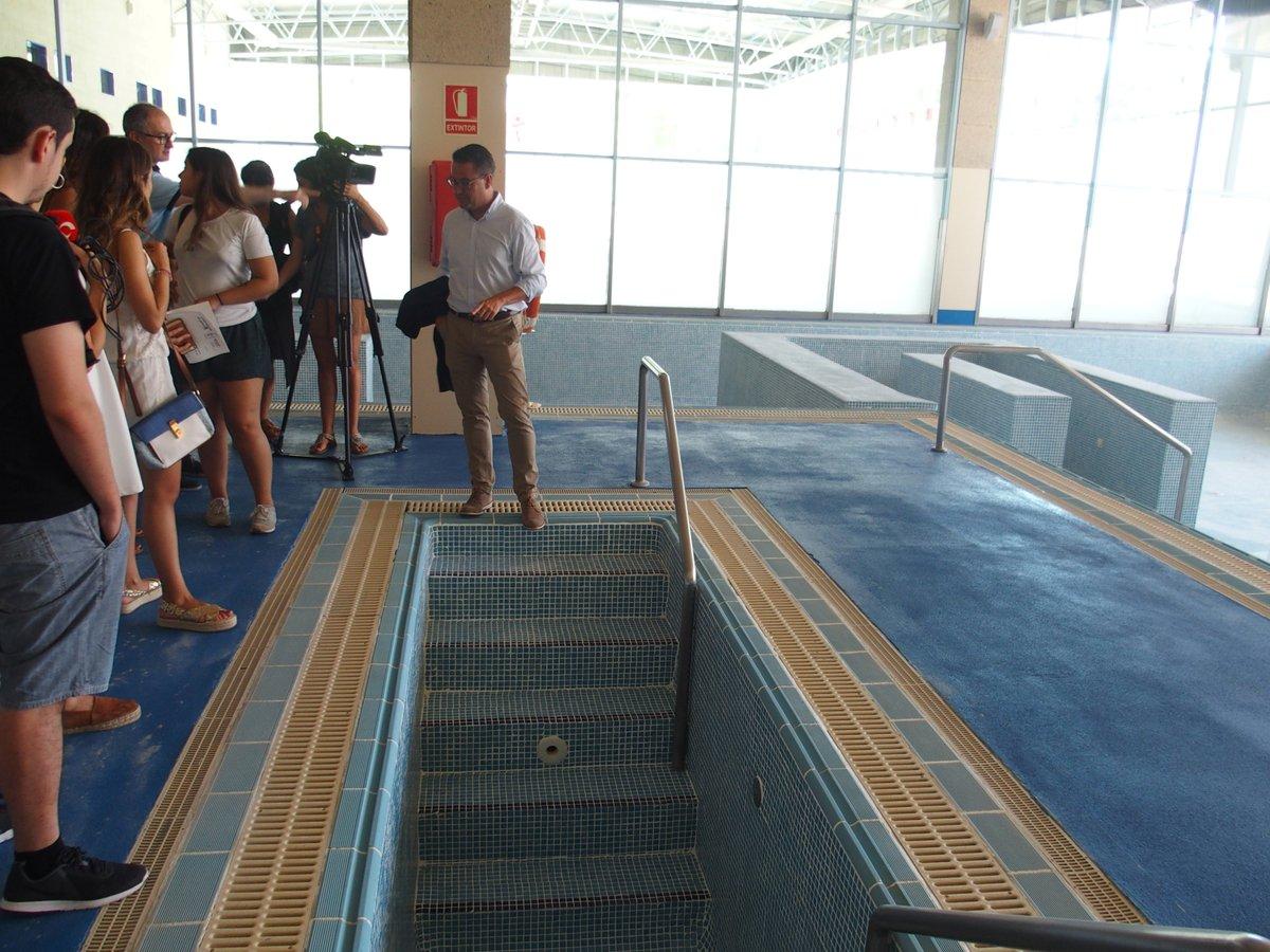 Lobete renueva sus piscinas para garantizar un estado for Piscinas merino