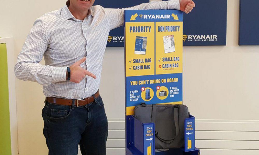 La nueva pol tica de equipaje de ryanair pago extra por llevar el equipaje de mano en cabina - Cabina ryanair ...