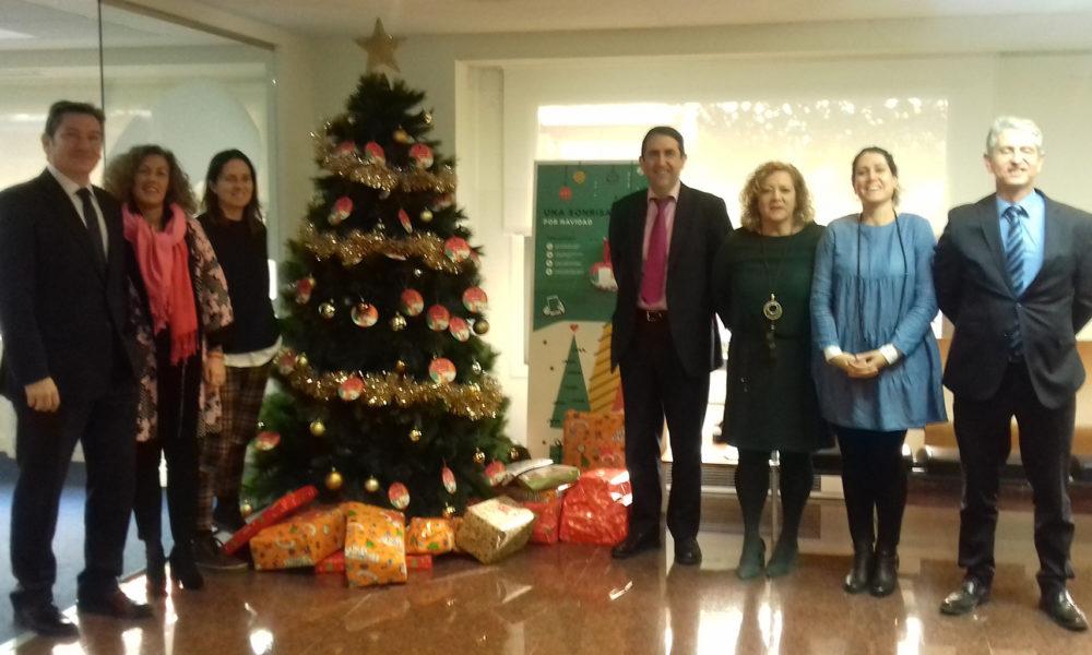 Ibercaja entrega 571 regalos a la iniciativa 39 una sonrisa - Oficinas ibercaja barcelona ...