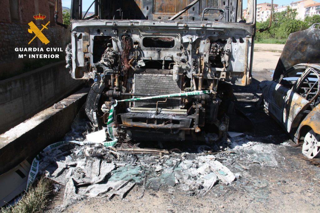 Detenido un pirómano con 34 detenciones y 49 hechos consumados, por quemar un camión y un coche en Arnedo