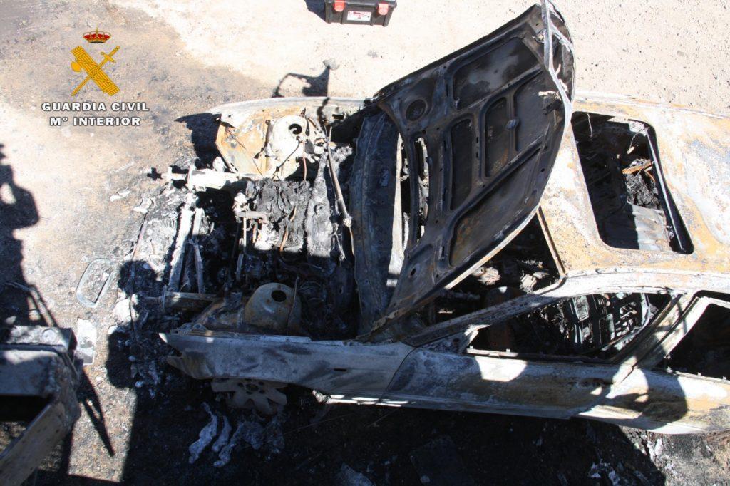 coche camion quemados guardia civil 04