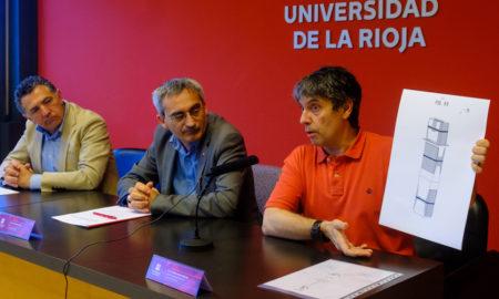 El investigador Emilio Jiménez, el rector de la Universidad de La Rioja y el consejero de Fomento