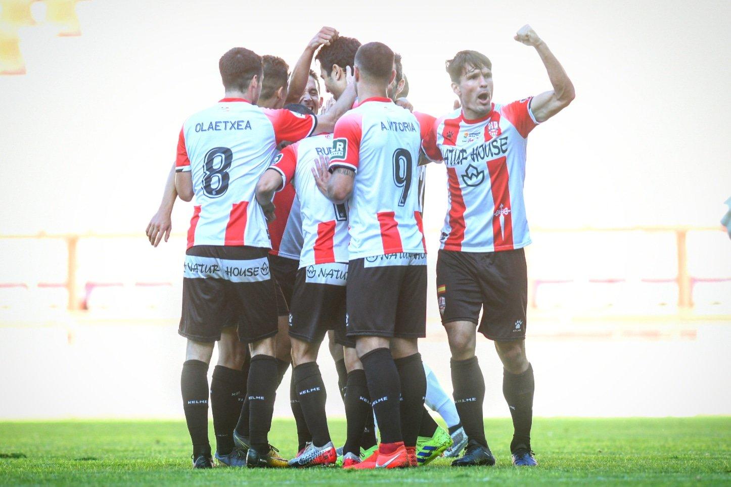 La UD Logroñés celebra un gol frente al Tudelano   Foto: Eduardo del Campo