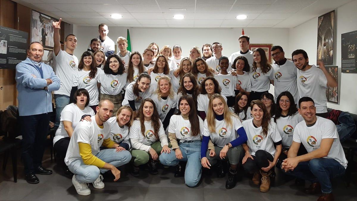 Cuarenta 'Erasmus' se empapan de riojanismo en San Sebastián - NueveCuatroUno
