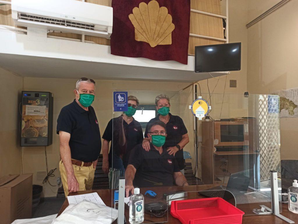 Javier, Nati, Pepi y José, hospitaleros del Albergue Municipal de Peregrinos.